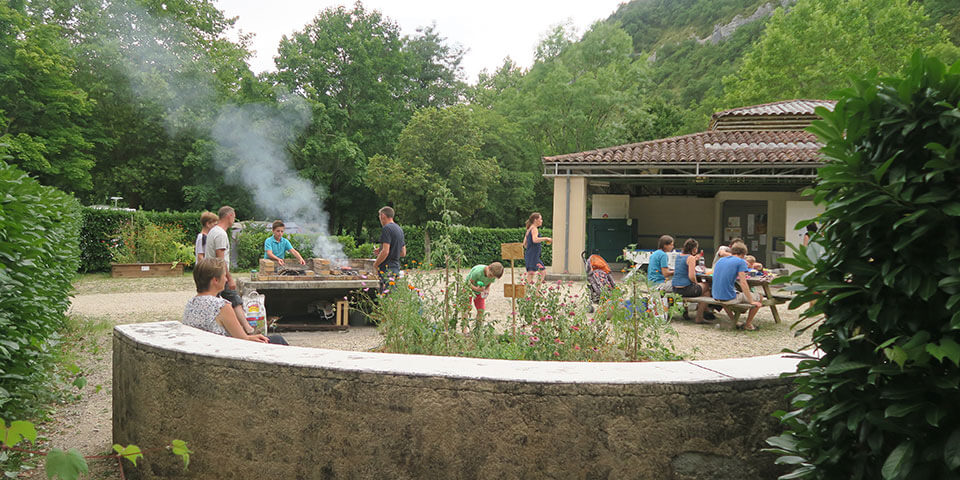 Barbecue in camping le Terriol