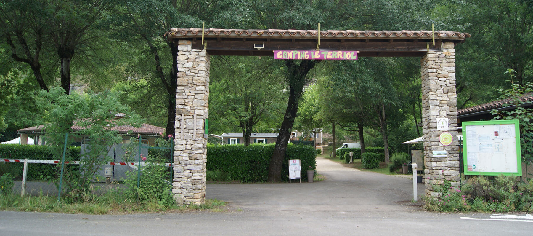 Camping le Terriol entry